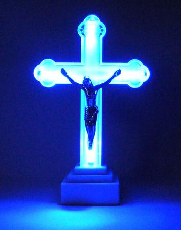 Krzyż świecący duży – kolor biały, wys. 17 cm (1)