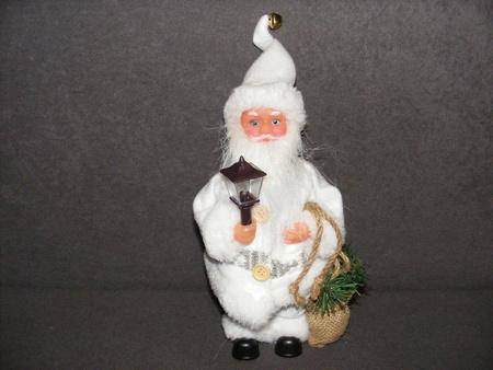 Mikołaj grający biały  (1)